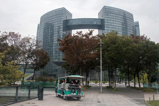 «Китайские антипробочные пилюли» неплохо помогли Ханчжоу. Город ранее входил втоп-3 наиболее «пробочных» муниципалитетов Поднебесной. Теперь онпровалился натридцатую позицию