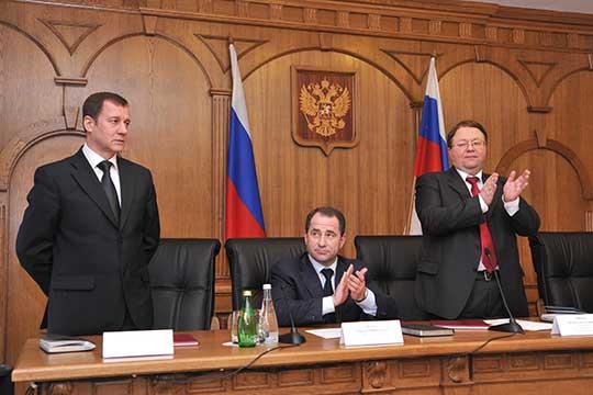 Вмарте 2013 года Юрий Глазов переехал вКазань, где занял должность председателя АСПоволжского округа. Вдекабре 2018 года указом президента РФГлазов был переназначен наэту должность