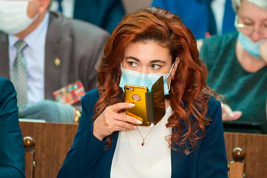 Ася Кислова рассказала о том, что стала участником сразу двух депутатских комиссий — по образованию, культуре и национальным вопросам и по здравоохранению и социальной политике