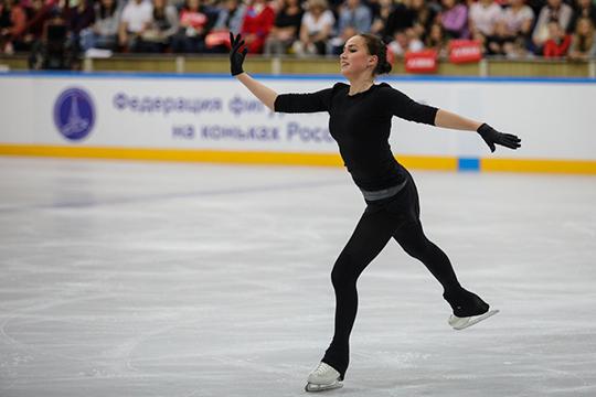 По информации «БИЗНЕС Online», впервые Плющенко контактировал с Загитовой осенью, во время гастролей c Загитовой с ледовым шоу