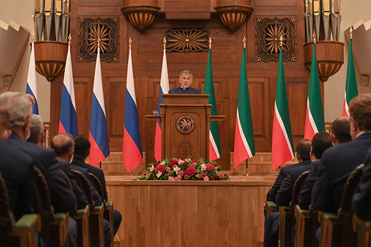 «Татарстан — это республика возможностей, территория, где каждый сможет воплотить свои идеи в жизнь. Главное, что мы вместе. А значит, у нас все получится! Мы вместе! Наша сила в единстве!»