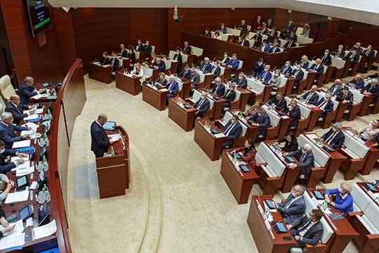 Презентовал кандидатаруководитель аппарата президента РТАсгат Сафаров.Онотметил, что опыт общественницы иеенацеленность назащиту прав детей помогут ейврешении задач