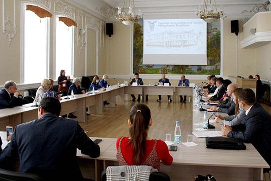 Множество проблемных вопросов подняли в среду представители бизнеса на встрече с прокурором республики Илдусом Нафиковым в ТПП РТ
