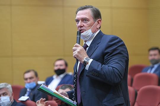 Леонид Алехин заметил, что для такого количества газа потребуется 4 такие установки по сепарации, а это почти 3 млрд рублей, к тому же потребуется мощный компрессор, а это еще деньги…