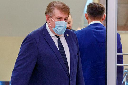 Андрей Кондратьев неоднократно заявлял, что члены участковых, территориальных избирательных комиссий и центральной избирательной комиссии застрахованы в «Ак Барс страхование» от различных болезней