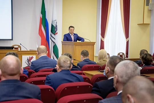 Рустем Нуриев: «Вразных районах работал, номой переезд вЕлабугу впрошлом году порекомендации Рустама Нургалиевича Минниханова был непростым иответственным»