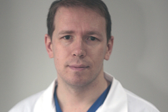 Осужденный за многоэпизодное мошенничество бывший заведующий отделением рентгенохирургических методов диагностики и лечения РКБ №2 Айдар Шарафеев всплыл на сайте КФУ в качестве сотрудника