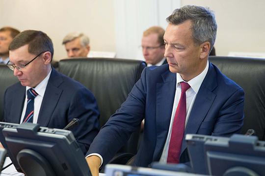 «Андрей Яцкин (справа), под которого создали новую должность первого заместителя председателя Совета Федерации, будет занят в основном организационно-бюрократической работой»