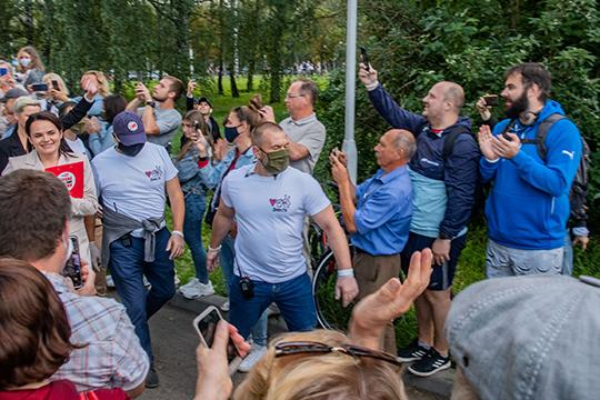 «Вот Светлана Тихановская (слева) совершенно неожиданно, в том числе, наверное, и для самой себя, ставшая лидером. Она по сути дела регистрировалась как технический кандидат»