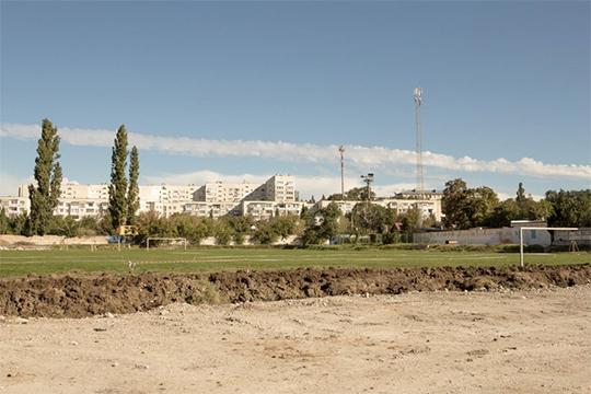 В 2019 году власти Севастополя сообщили о разрыве с «Техстроем» двух контрактов из четырех: на стадион «Горняк» и школу в Радиогорке