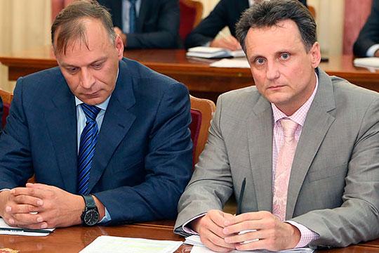 В 2017 году случилось событие, повлекшее острый конфликт в компании. Николаев (справа) получает от Алексеева (слева) 20% акций «Техстроя». Николаев говорит, что решение принималось абсолютно добровольно обеими сторонами