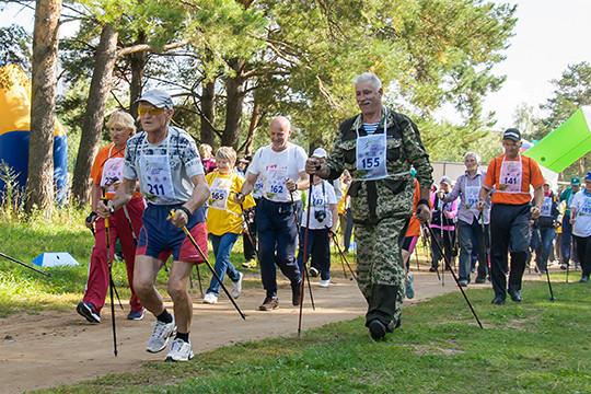В декаду пожилых в Казани проведут спортивные соревнования, медосмотры, в районах пройдут концерты, благотворительные акции, докладывал Рустем Гафаров