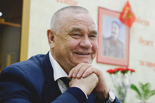 129,4 тыс. тонн зерна собрали в татарстанскую житницу хлеборобы компании «Хузангаевское» (5), с урожайностью 34,9 ц/га. Агрофирма на 90% принадлежит Ивану Казанкову и его родным