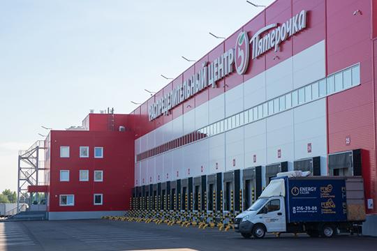«Унас между Челнами иЕлабугой построили крупный распределительный центрX5 Retail, наместе бывшего аэродрома. Ядумаю, они влюбом случае сотрудников будут привлекать изнашей республики»