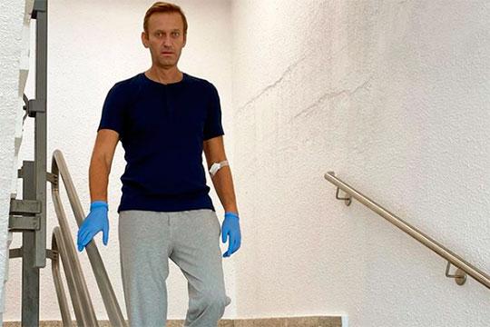 «Вглазах западного обывателя Навальный уравнял себя сПутиным»