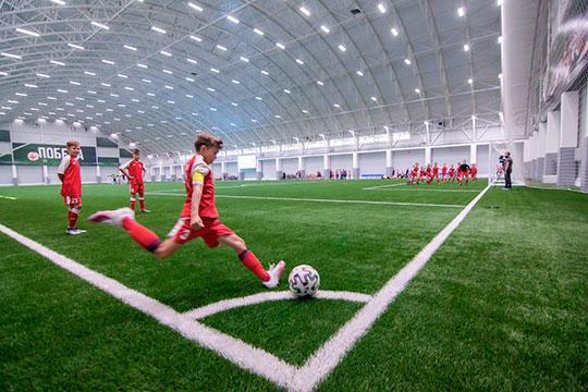 До 2024 года количество занимающихся футболом в Татарстане должно увеличиться с 46,5 тыс до 65 тыс, то есть на 40%. Такая цель содержится в соглашении о развитии футбола в Татарстане