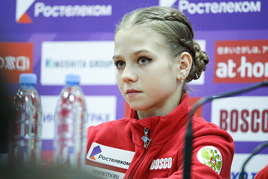 Когда Трусова приходила вгруппу кПлющенко Евгений сразуже определил еёвнутри своей академии кРозанову