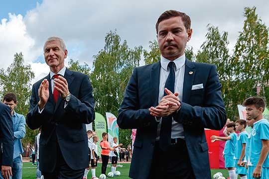 Владимира Леонова (справа) очень ждет в своей команде в Москве федеральный министр спорта Олег Матыцин (слева), успевший вроде как согласовать этот вопрос президентом РТ в крайний свой визит