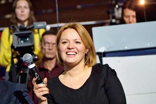Анна Захматова покидает Татарстан: она, якобы, переезжает в Сочи. По одной из версий, будет работать в местной горадминистрации, по другой — станет топ-менеджером одного из спортивных объектов