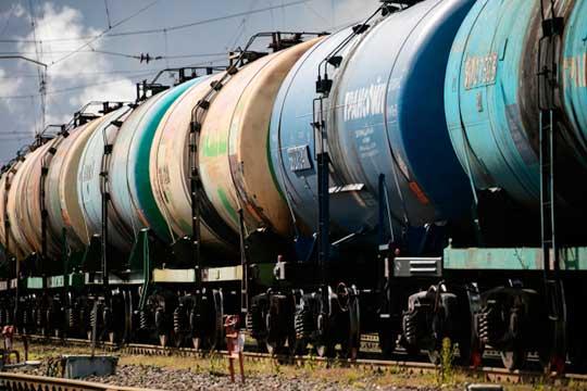 «Вот сейчас уничтожают практически экспорт «Роснефти», потому что идет по всему миру охота на нефтетрейдеров, которые работают с этой российской компанией»