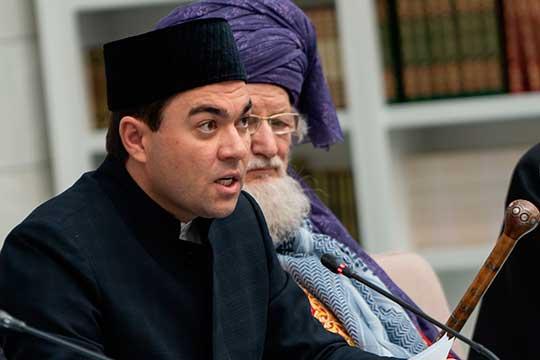 Татарстан представлял лишь ректор Болгарской исламской академииДанияр Абдрахманов. Онрассказал одостижениях вуза