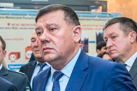 Высоки шансы уйти сосвоего поста втечение года уруководителя Россельхознадзора поРТНурислама Хабипова (24), вэтом году ему исполняется 65 лет, так что пора назаслуженный отдых