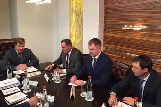 Незамеченной широкой общественностью на этой неделе осталась встреча главы СКР по РТ Валерия Липского с делегацией Агентства по страхованию вкладов (АСВ)
