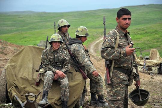 «Обмен пленными, предание земле погибших»: очем договорились Баку иЕреван вМоскве