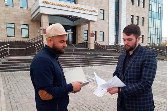 Кирилл Евсеев (на фото с Сергеем Смирновым, владельцем ООО «Антек» (слева): «Мы написали жалобу, потому что это нарушает не только наши права на достройку, но и города, как публичного лица»