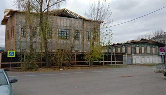 Михаил Раскин – о сомасштабности: «Оба здания – по документам двухэтажные, а выглядят как Слон и Моська»