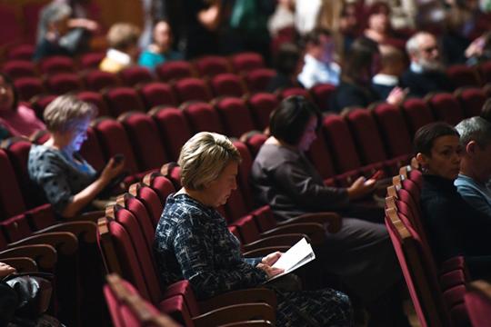 """«Сейчас, говоря о столичных театрах, я по пальцам могу пересчитать, куда зритель еще ходит. И в основном ходят, как вы говорите, в """"провинциальные"""" где труппы создавались единомышленниками»"""