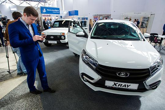 Человек хочет купить машину за 1 млн рублей, ему предлагают внести 35% от этой суммы на счет. Точнее, 37% с учетом «биржевых издержек». И через каких-то 120 дней на счету как по волшебству уже будет необходимая сумма