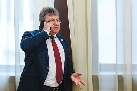 Стоимость0,46-процентной доли гендиректора Фомичева оценивается, таким образом почти в50млн рублей