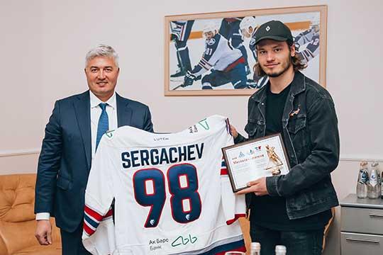 «Спасибо большое всему Нижнекамску зато, что воспитали идали возможность играть вхоккей»