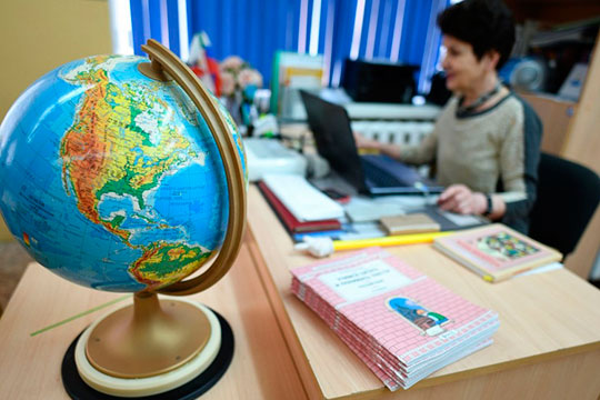 Собянин вводит «дистант», Хабиров сдвигает каникулы, а в Татарстане тишина