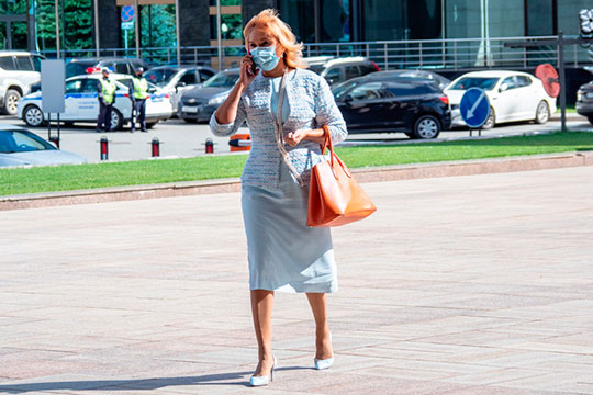 На третье место нашего рейтинга лоббистов бюджета выходит министр труда Эльмира Зарипова. На фоне роста безработицы она нарастила свое влияние с 30,6 до 33 млрд рублей