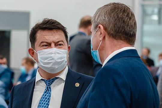 Министру здравоохранения Марату Садыкову придется решать все возрастающие в связи с COVID-19 задачи в весьма стесненных бюджетных обстоятельствах