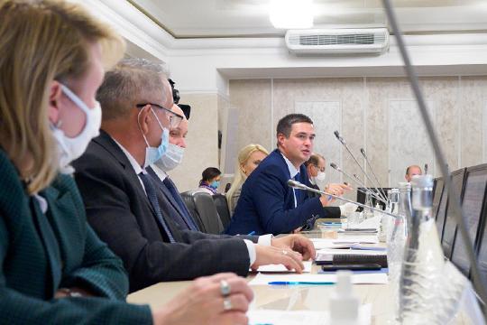 Член общественной палаты РФ и комиссии Санкт-Петербурга по безопасности дорожного движения Александр Холодов похвалил Татарстан за то, что республика в очередной раз подтверждает свое первенство в сфере БДД