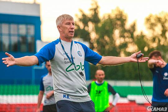 После домашнего поражения «Уралу-2» главный тренер команды Михаил Белов подал в отставку