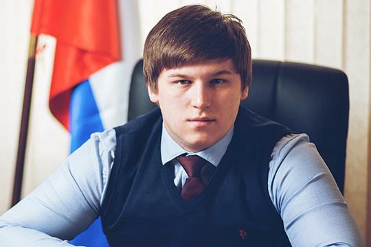 Радель Баязитов: «Значительная часть реабилитантов — незрячие. Приехав в Казань, многие из них волнуются, так как бояться потеряться. Наша цель — чтобы у них не было таких переживаний. Мы их встречаем, размещаем, помогаем»