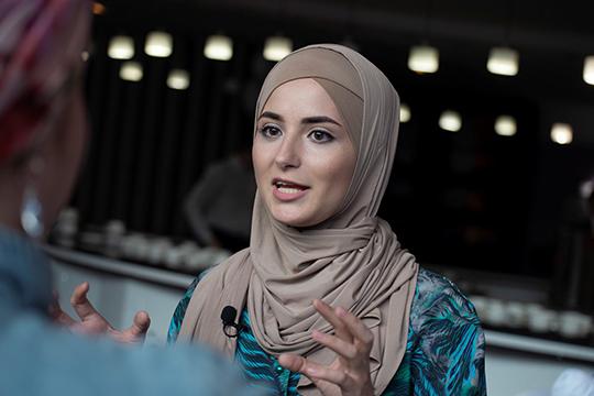 Отдельная и уникальная категория инстаграмщиц Татарстана — это девушки, которые носят хиджаб и подчеркивают свою религиозность. Один из лидеров категории Джаннат Мингазова с 142 тысячами фолловеров