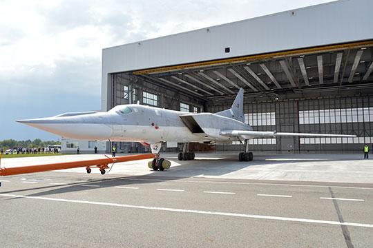 По словам близкого к Минобороны источника «БИЗНЕС Online», летом должны были подписать контракт на поставку в войска Ту-22М3М, но договора так и нет