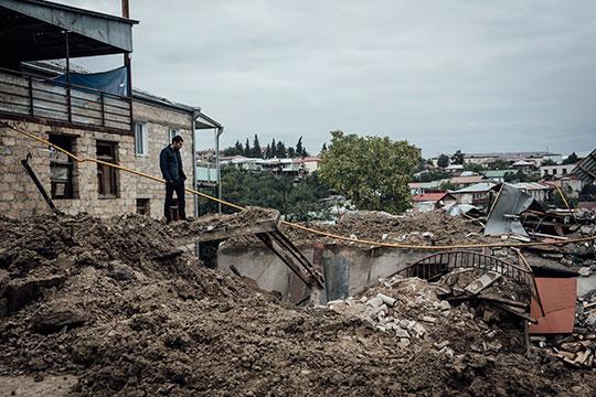 «Как возможно было предотвратить эту войну вКарабахе, непонятно. Тем более когда появляется амбициозный игрок влице Турции, готовый накачивать своего партнера непосредственно наместе событий»