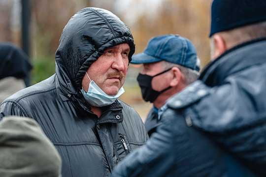 Ркаил Зайдулла: «Сейчас идет нетолько массовая русификация, вБашкортостане, например, внаучный оборот вводят северо-западный диалект башкирского языка, аэто ведь фактически татарский язык. Таких примеров масса»