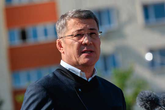 Глава БашкирииРадий Хабиров, сообщил, что вправительстве республики заболели коронавирусом сразу три вице-премьера