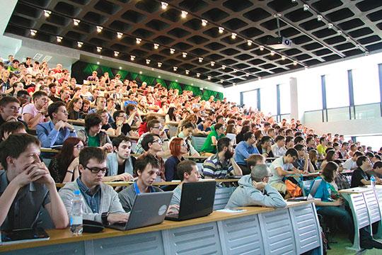 «Наши студенты и выпускники крайне деятельные, это люди с очень активной жизненной позицией, и количество стартаперов среди них выше, чем в среднем по обычным сообществам»
