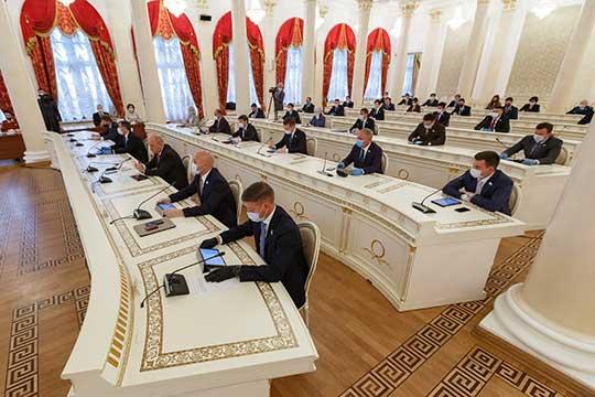Сегодня навторую сессию Казгордумы нафонеCOVID-19 собралось 38 депутатов из50