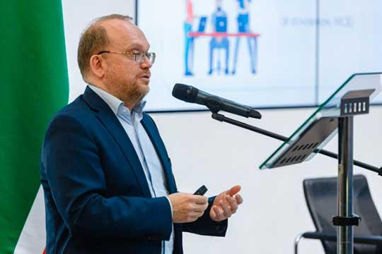Айрат Нурутдинов: «В земле прокладывать в 10 раз дороже, чем по воздуху, а пользоваться существующими опорами не всегда было возможно»