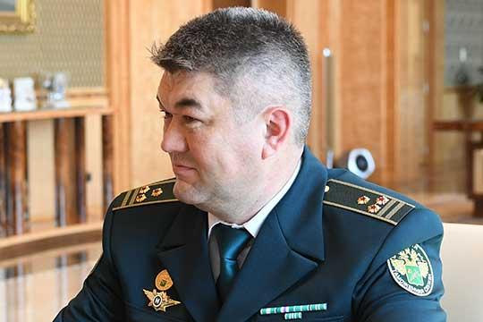 Марат Гараев: «Сколько мы ни информируем пассажиров о порядке ввоза, о нормах, почему-то народ считает, что на авось пройдет! Более 90 выявлений было по алкоголю. Большое количество по табаку»
