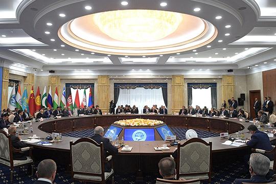 Вкачестве позитивного взаимодействия разных стран президент РФожидаемо привел ШОС идовольно неожиданно— ОПЕК+
